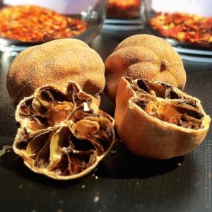 getrocknete persische Limonen / Loomi / Limo amani / Limo omani